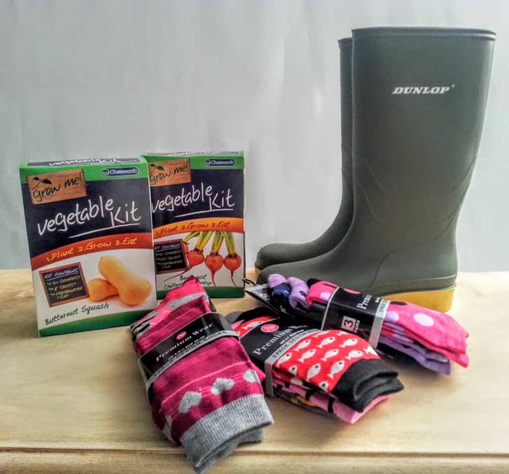 New Gardening Stuff & Socks - Car Boot Haul