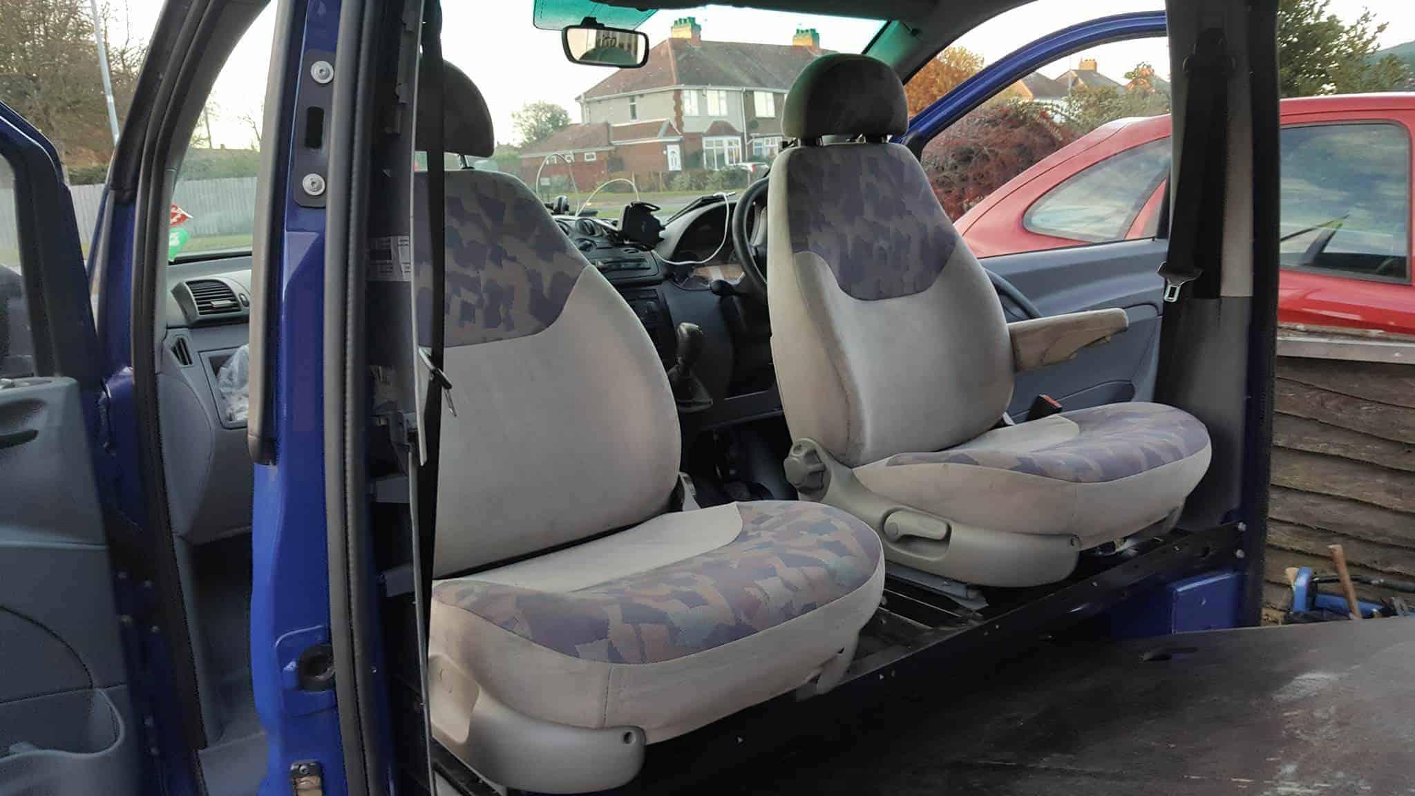 Mercedes Vito Swivel Seats & More Insulation Day 3&4