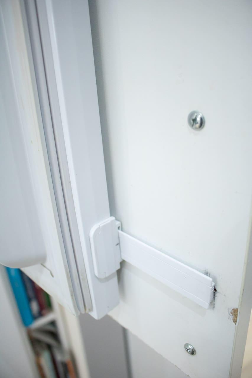 Integrated fridge door slider in situ