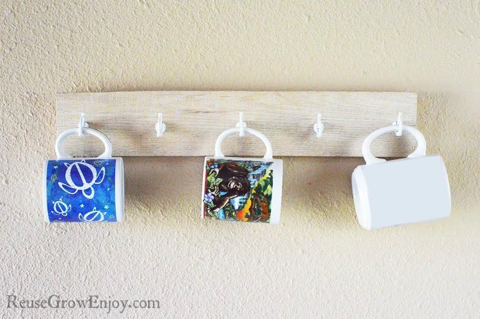 DIY pallet mug rack