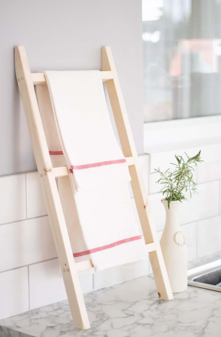 tea towel ladder from 10 DIY kitchen accessories to make from wood