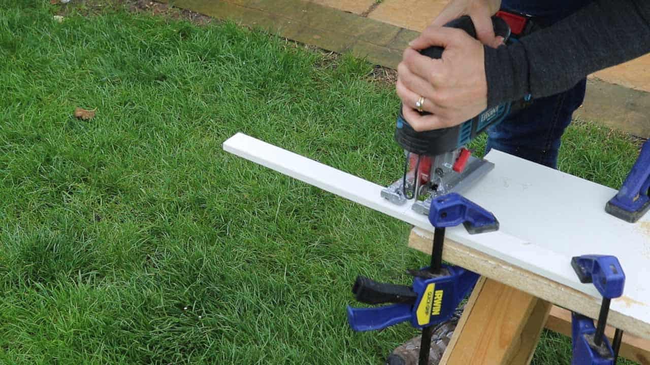 cutting rebate hanger with jigsaw